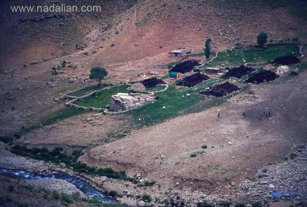 چشمنداز ییلاق گل زرد، احمد نادعلیان در دوران کودگی در این محیط زندگی می کرد