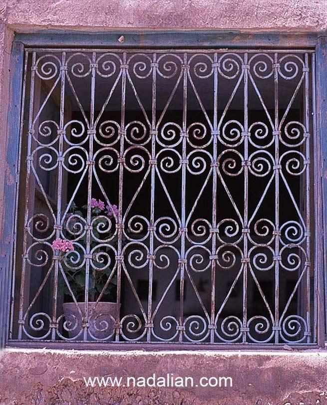 پنجره خانه مادربزرگ من- مکان دقیق تولد من و جایی که اول بار نور را دیدم
