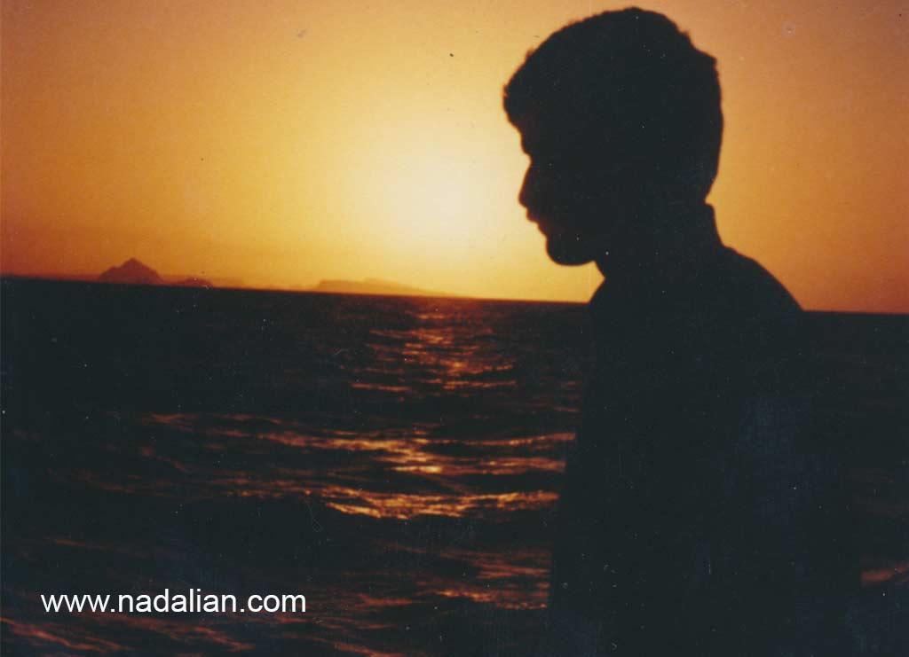 عکس احمد نادعلیان، یک عروب در دریا، گاهی با صیادان به دریا می رفتم.