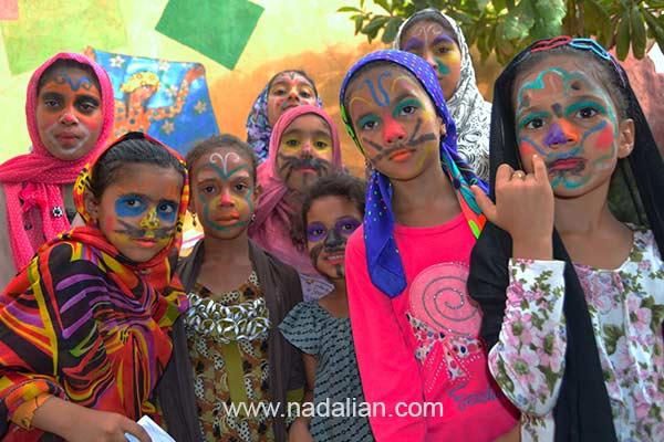 Face Painting in Dr Nadalian Museum, Hormouz_Island