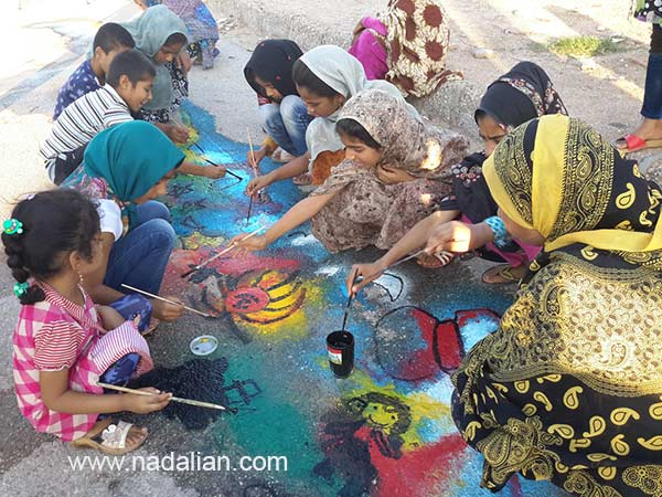 Children Painting in Public Place supported by Dr. Ahmad Nadalian Museum, Hormouz_Island