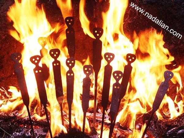 آدم های آب دیده - از مجسمه های آهنی احمد نادعلیان، کارهای مشترک با آهنگردهای دوره گرد