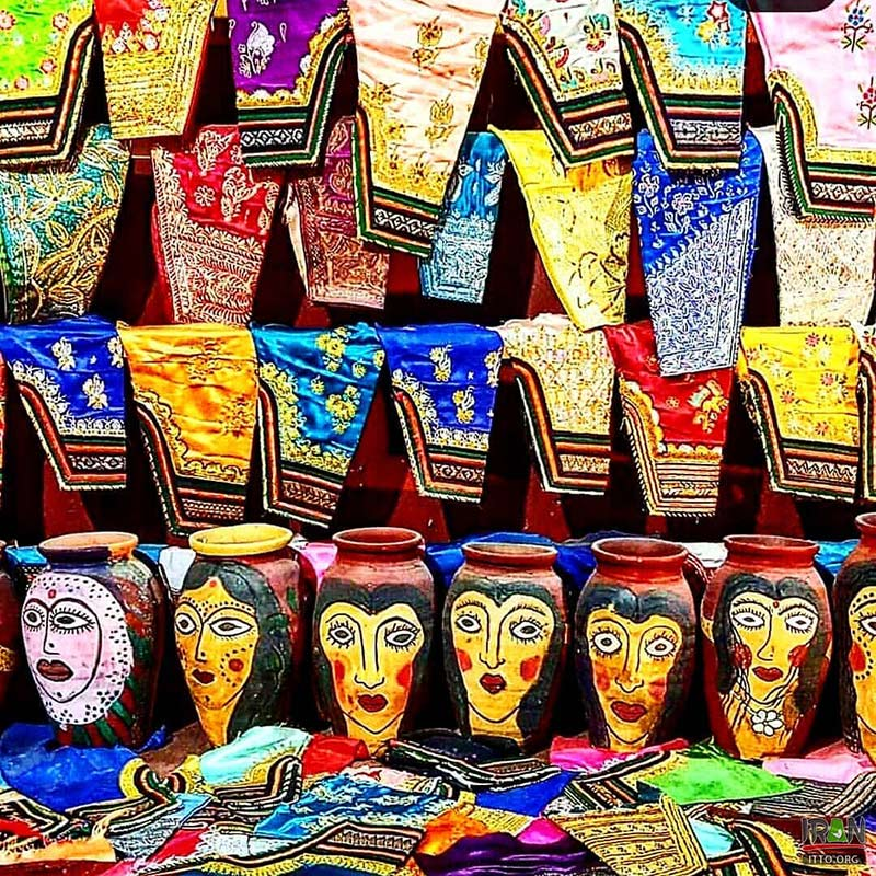 Collection of embroidered works and paintings of women of Hormuz on jars in Dr. Nadalian Museum - Hormoz Island