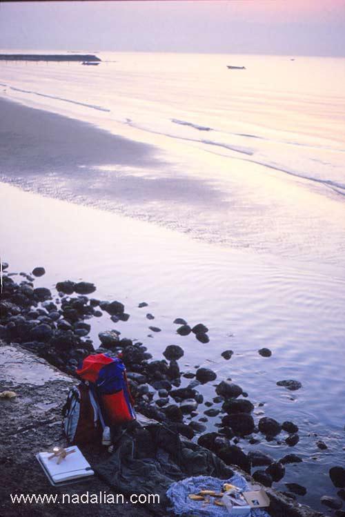 محل خواب احمد نادعلیان در ساحل بندر عباس