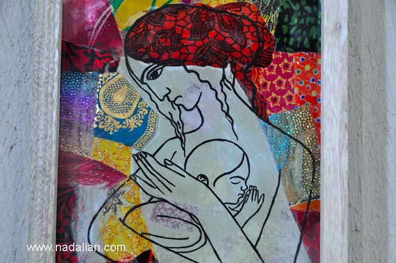 مادر و کودک، پارچه نقاشی پشت شیشه، طرح احمد نادعلیان و اجرا دختران در بکی از روستاهای قشم