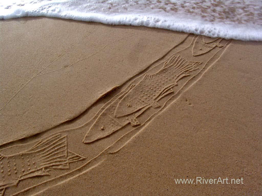 چاپ نقش ماهی ها با استفاده از مهر های استوانه ای احمد نادعلیان بر روی ماسه ساحل دریا- کیپ تاون افریقای جنوبی