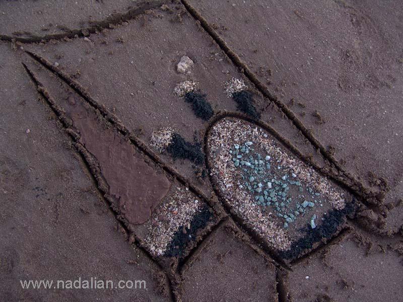 طراحی بر روی ماسه با ترکیب خرده سنگ جزیره هرمز